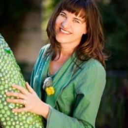 Lissa author photo